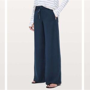 3361c6f2f2 lululemon Pants - Lululemon On The Fly Pant *Wide Leg 31